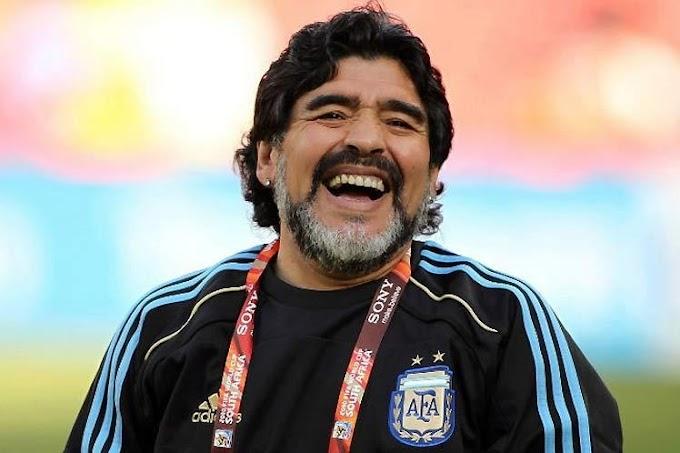 Diego Maradona morreu aos 60 anos nesta quarta-feira, 25