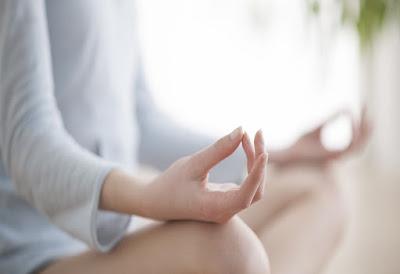 Las modernas prácticas de meditación están basadas en antiguas tradiciones espirituales y religiosas asiáticas. Hoy en día millones de personas de todo el mundo practican diariamente este entrenamiento mental. Todos podemos meditar, independientemente de nuestra edad, salud o creencias.