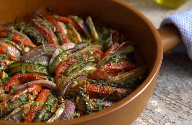 Briam: Traditional Greek Roasted Vegetables #dinner #vegetarian