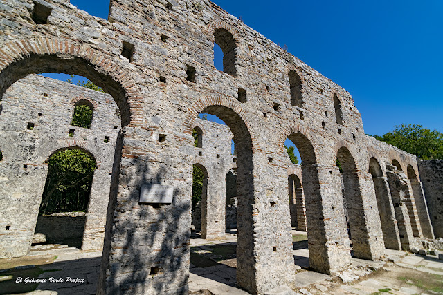 Basílica de Butrint - Albania, por El Guisante Verde Project