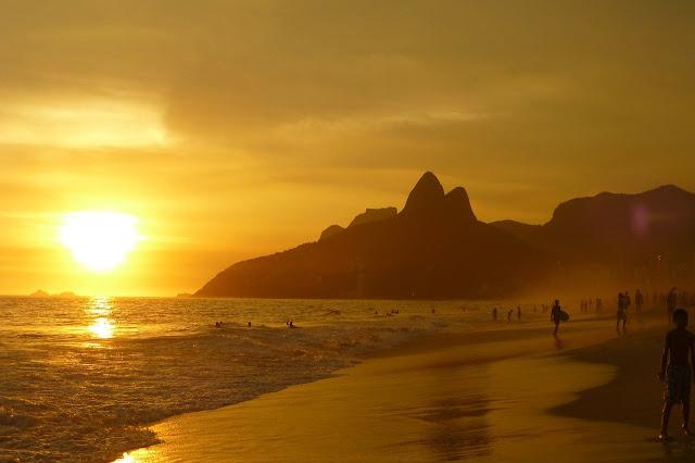 por do sol copacabana no rio de janeiro