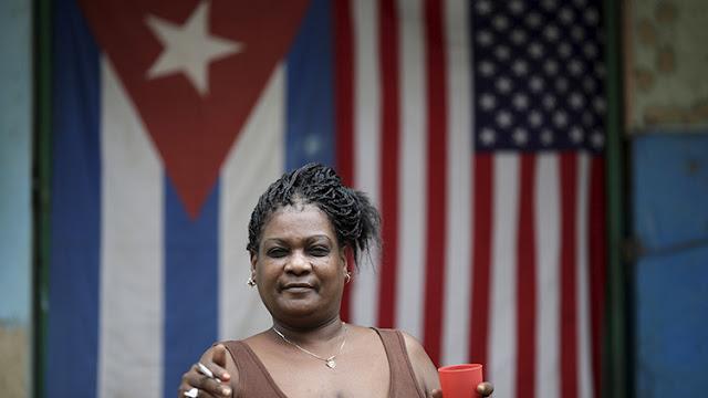 Obama cancelará la entrega de residencia a cubanos que ingresaron a EE.UU. sin visado