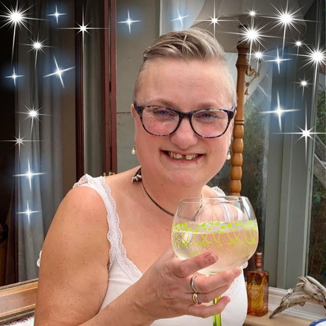 madmumof7 with gin
