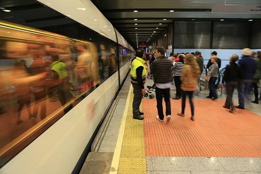 Mejora de la oferta y las frecuencias del servicio nocturno de Metrovalencia