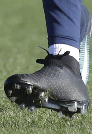 c82fef2450bc Kevin De Bruyne Shows Off All-New Nike Phantom Vision Boots - Footy ...