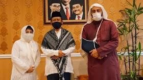 Syekh Ali Jaber Sampai Ajak Ayah dan Adiknya Kunjungi Mahfud Md