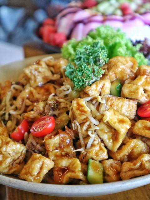 hotel-artotel-yogyakarta-roca-restaurant-menu3