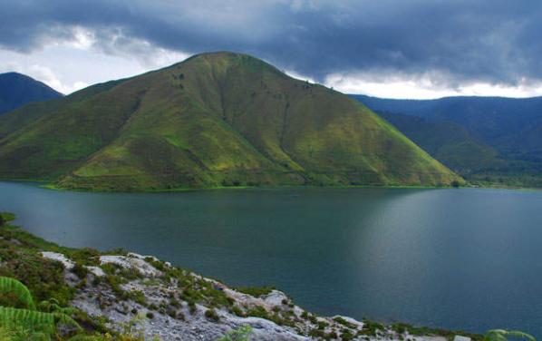 Danau Towuti Terbesar di Sulawesi Selatan