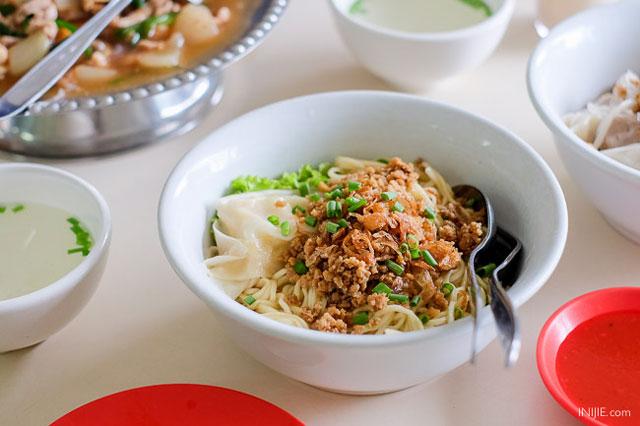 Wisata kuliner Malang Hot Cui Mie Gloria