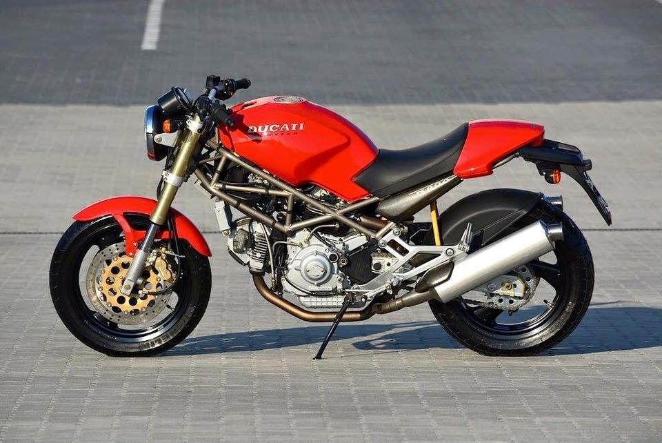 Ducatisti Integralisti Ducati Monster La Foto Storia Di Un Icona