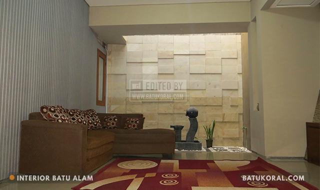 interior rumah batu alam