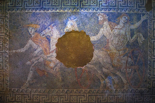 Greek Culture Minister allocates €2.5 million for Amphipolis Tomb project works