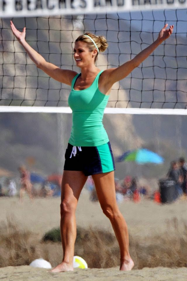 1e0c6ed218 Retro Bikini: Erin Andrews plays a Beach Volleyball at Los Angeles on  Wednesday, April 16, 2014
