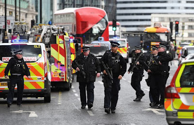 Ngoại hạng Anh bị đe dọa tấn công khủng bố, MU gợi nhớ lại ký ức hoảng loạn