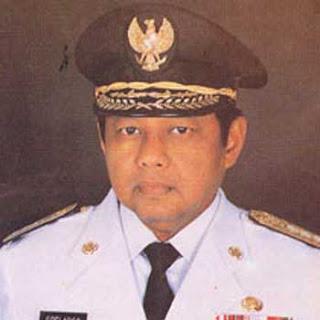 Foto Soelarso Mantan gubernur Jawa Timur 10