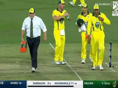 देखें, पानी लेकर आए क्रिकेट मैदान पर PM