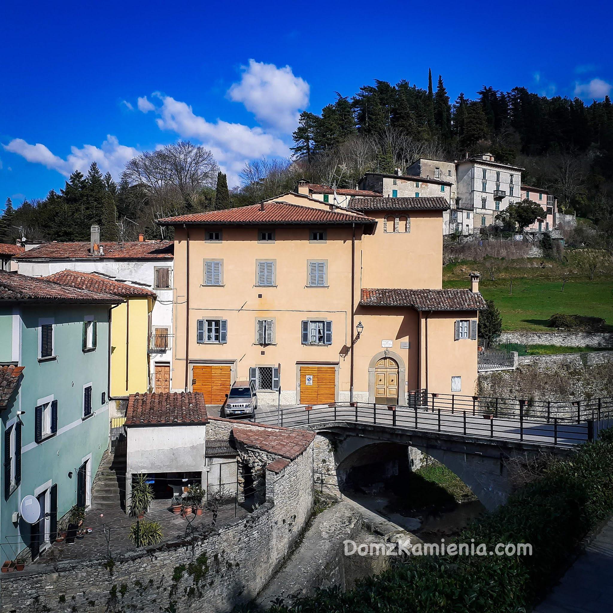 Marradi, blog Dom z Kamienia