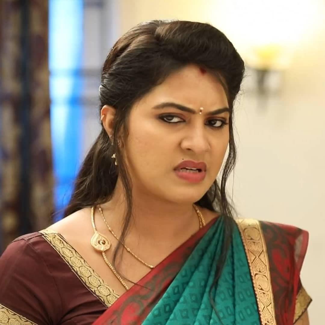 Rachitha mahalakshmi cute Expression, Hot TV Actress Tamil 4