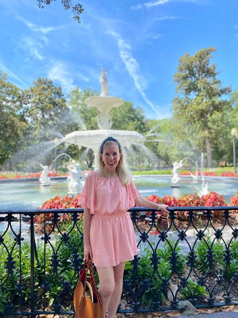 travel fashion blogger savannah forsyth park pink romper fashionover40