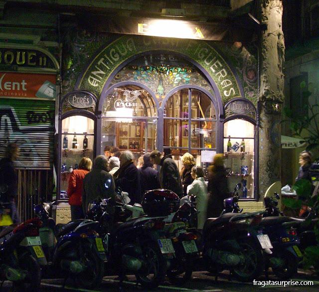 fachada modernista nas Ramblas de Barcelona, antiga Casa Figueras