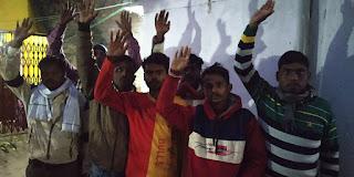 काम कराने के बाद ठेकेदार ने मजदूरों को दिखाया ठेंगा | #NayaSaberaNetwork