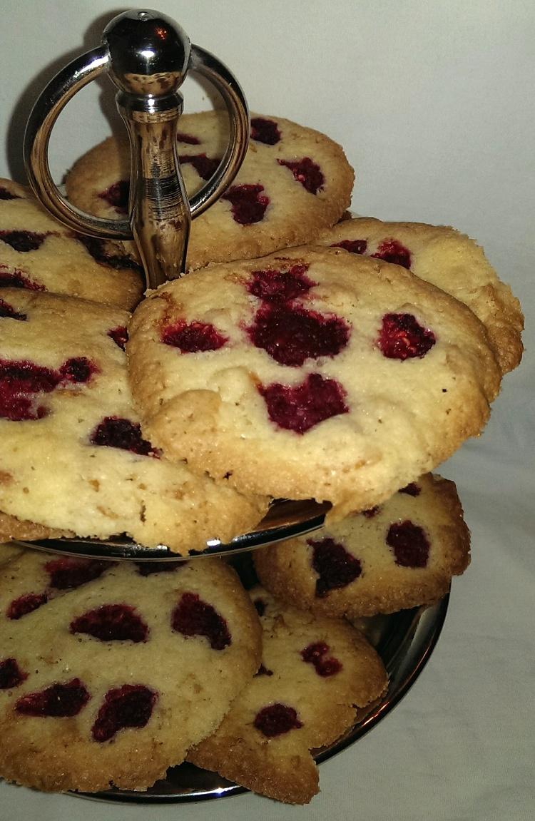 Knusper-Himbeer-Cookies
