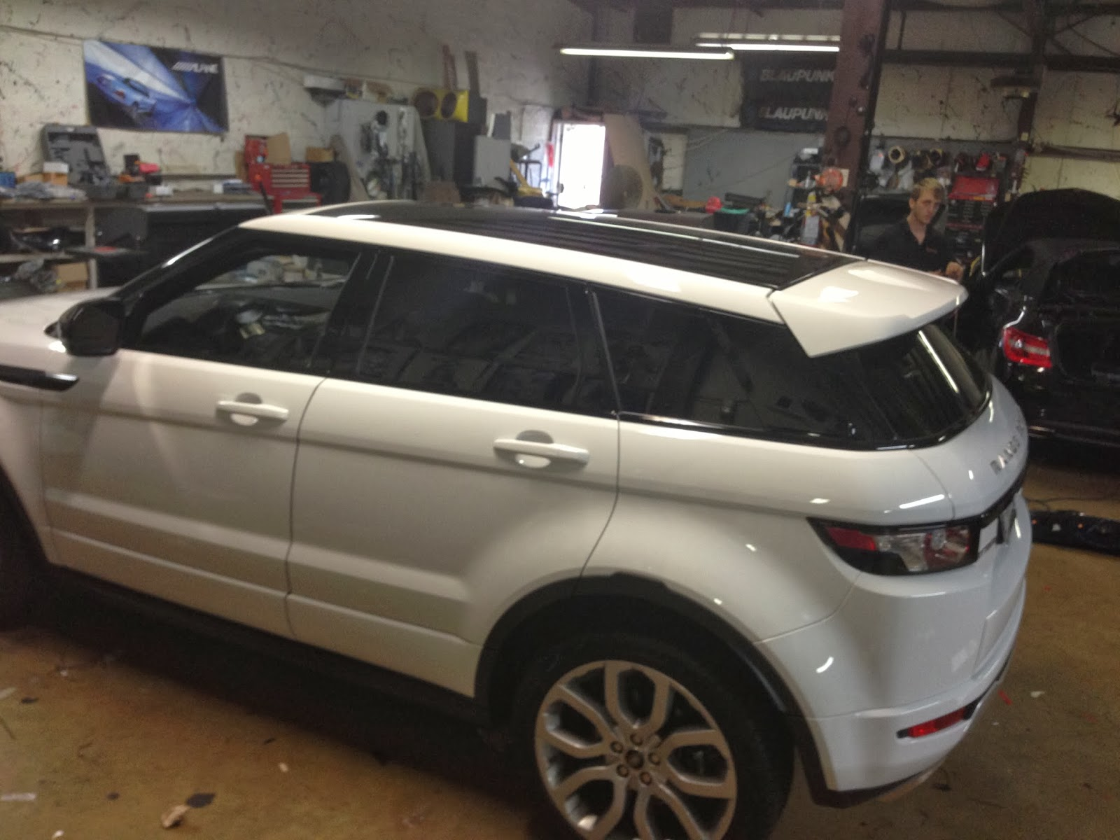 Hurleys Auto Audio Land Rover Evoque for Radar Detector