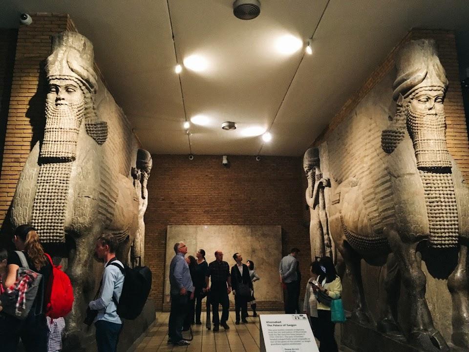 アッシリアの守護獣神像(Assyrian gateway figures)③