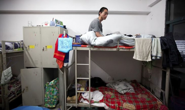 La oscura realidad de la Ciudad Prohibida de Apple; la fábrica china de suicidios y esclavitud