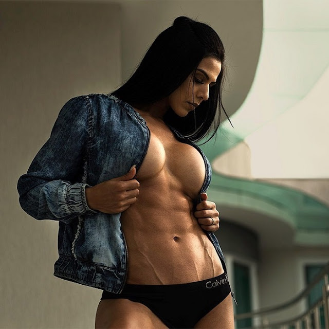 Eva Andressa Hot Pics and Bio