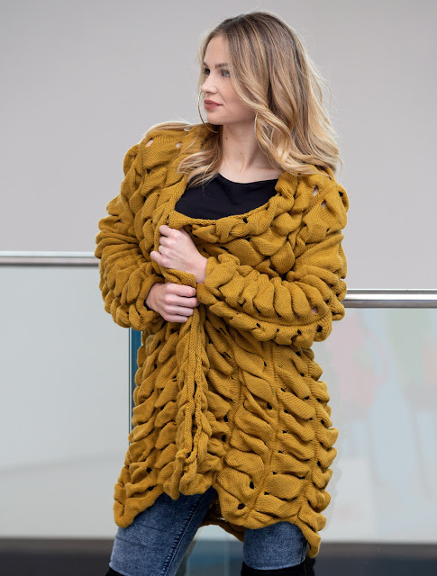 https://www.anemoye.com/sweaters/cardigan-ciara-mustard