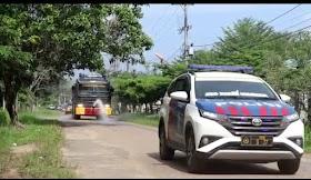 Cegah Klaster Baru Covid19, Polisi Semprot Disinfektan Di Perkantoran Muaro Jambi