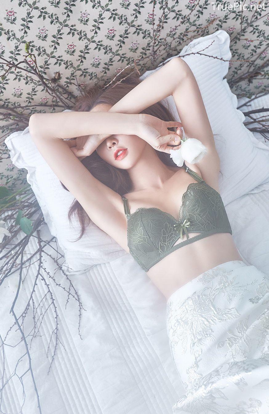 Korean beautiful model and fashion - Park Soo Yeon - Dark Green Bra Set - Picture 8