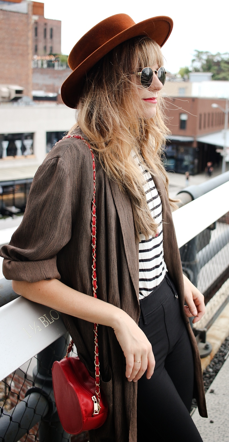 trendy outfit idea _ hat + sunglasses + stripped top + bag + pants + cardi