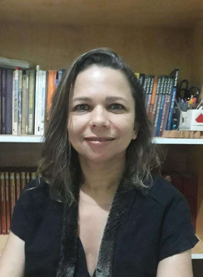 Luciana Bessa conversa sobre atuação teórica e prática na Literatura