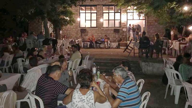 Ρεμπέτικη βραδιά στο παλιό σχολείο Θέρμων Σαμοθράκης