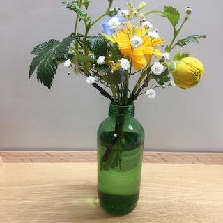 【おしゃれ?】いい感じに花瓶になる空き瓶を探す bloomee体験