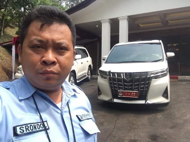 Viral Foto Alphard Prabowo Ditempeli Plat Mobil Dinas, Netizen: Salut dengan Bapak