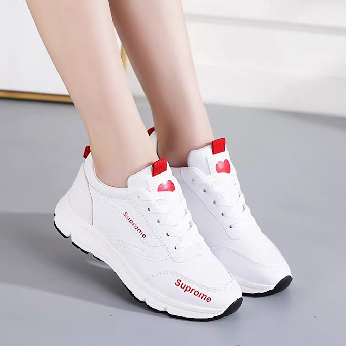 Giày Sneaker Nữ Chống Trơn