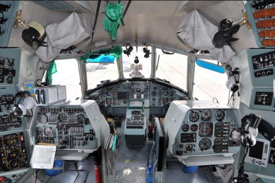 Mil Mi-26 cockpit