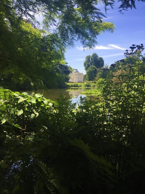 バガテル公園 Parc de Bagatelle, BoulogneParc de Bagatelle, Boulogne, rose garden ブローニュの森、バガテル公園 (バラ園)