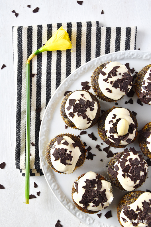Cupcakes mit Eierlikör, Mohn und Mandarinen