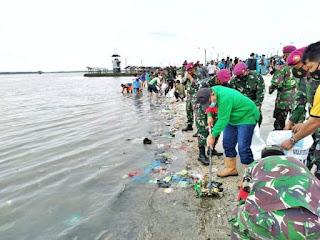 Plt Wali Kota Medan Pimpin Kegiatan Bersih-bersih Pantai di Pantai Ocean Pasific Belawan