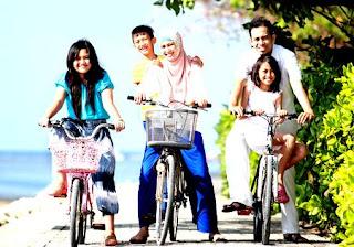 Ciri-Ciri Keluarga Bahagia dan Sakinah
