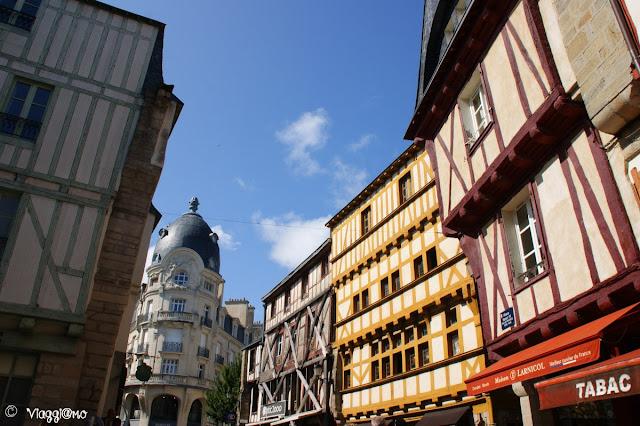 Scorcio di Piazza Henri IV a Vannes