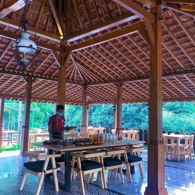 Cafe New Rivermoon Klaten
