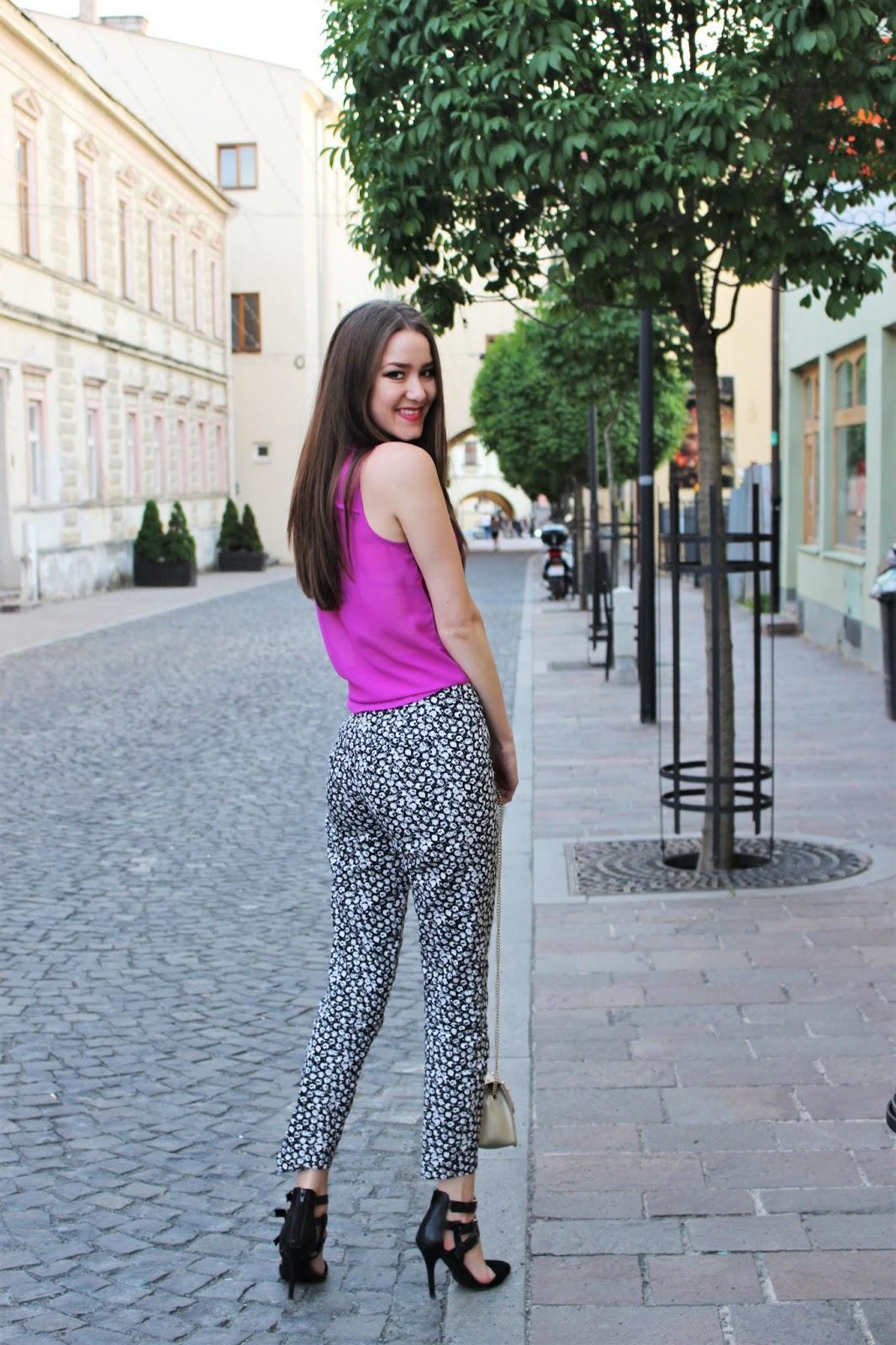 mid-rise pants