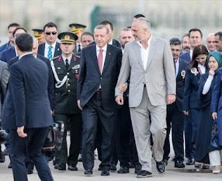Το μακρύ χέρι της Τουρκίας επάνω από Αλβανία και Σκόπια