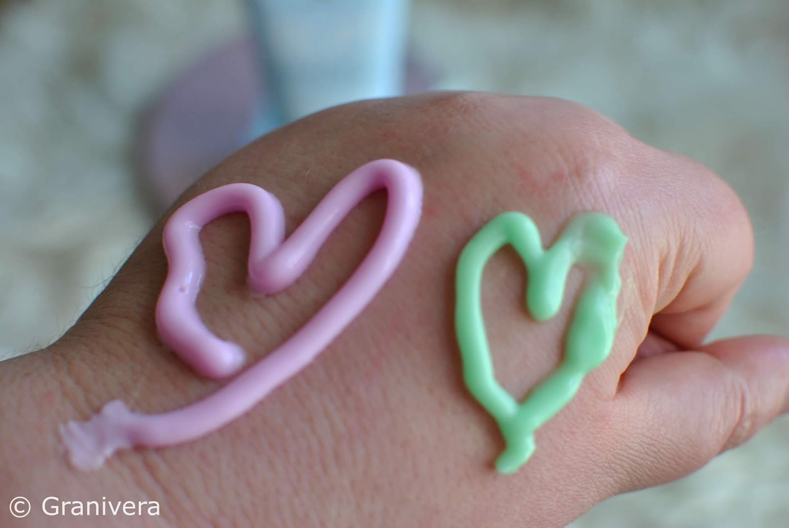 kosmetyk-fluff-różowy-zielony