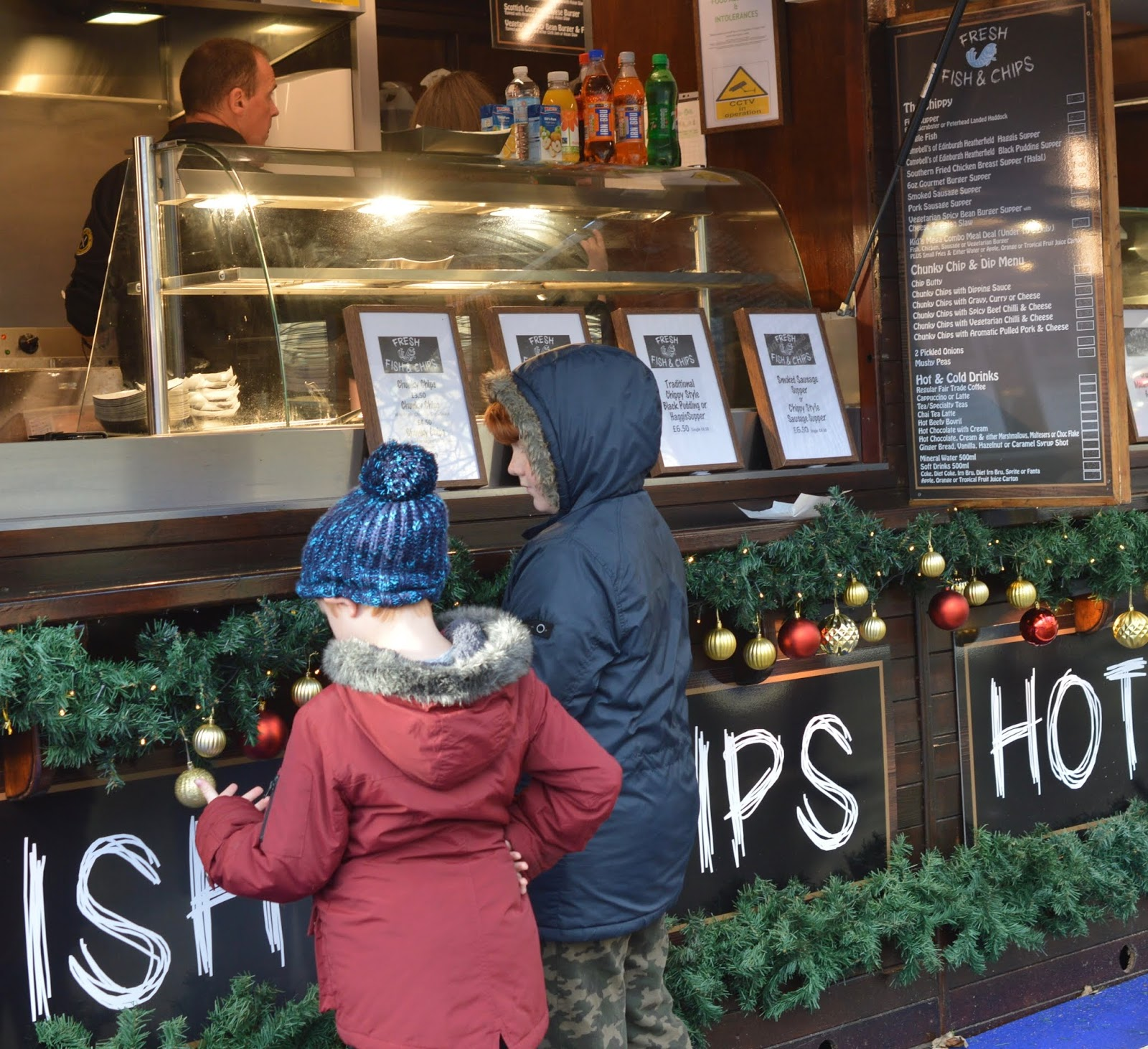 Top Tips for Driving to Edinburgh Christmas Markets with Kids - fish and chips